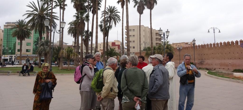 2013-05-26_Oujda Groupe sur une place